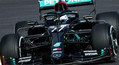 Bottas apre il GP del Portogallo sul circuito di Portimao: è lui il più veloce, bene la Ferrari