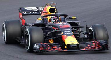 Test Barcellona, guida Ricciardo a metà giornata Terzo tempo per Ferrari Vettel dietro a Mercedes Hamilton