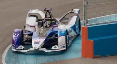 EPrix Diriyah, Sims di nuovo in pole: per Bmw tre su tre in Arabia