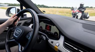 Ducati con Audi, auto e moto si parleranno. Nel 2020 modello dotato di radar anteriore e posteriore