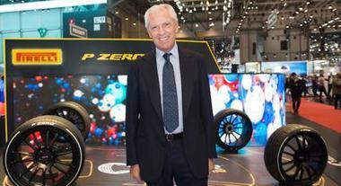 """Pirelli Cyber Car, pneumatici che """"parlano"""" all'auto. Tronchetti Provera: «È una vera rivoluzione»"""