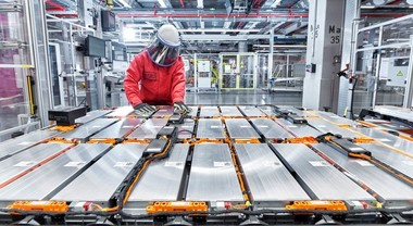 Batterie auto elettriche, via libera UE a joint venture PSA - Total. In arrivo Automotive Cells Company