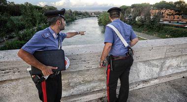 Allarme a Ponte Duca D'Aosta: «C'è un coccodrillo nel Tevere». Scatta la psicosi