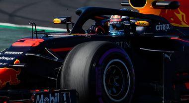 Test Montmelò, la Red Bull di Ricciardo è una freccia. la Ferrari di Vettel 4^ dopo le due Mercedes