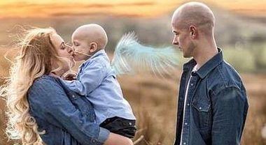Charlie, 5 anni, muore di cancro tra le braccia della mamma: «Scusami se ti ho fatto soffrire»