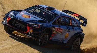 WRC, Neuville (Hyundai) in testa dopo la prima giornata in Portogallo. Ogier e Latvala k.o.