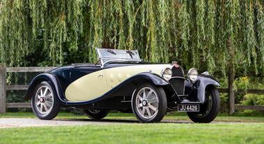 Una Bugatti da record: venduta a Parigi per più di 4 milioni di euro