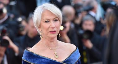 Helen Mirren, l'attrice premio Oscar indagata per abusivismo in Salento