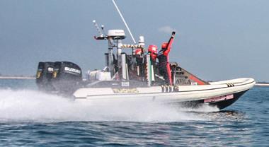 """Montecarlo-Venezia in gommone in 29h 45' 39"""". Il nuovo record stabilito da Avila e Suzuki"""