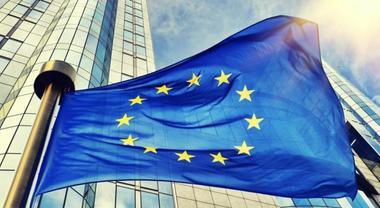 Emissioni auto, per l'Unione Europea nel 2030 dovranno essere inferiori del 35%