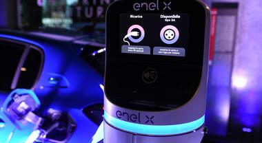 Psa Italia ed Enel X insieme per la mobilità sostenibile: «Usare l'auto elettrica sarà più facile»