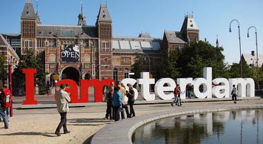 La scritta I AMsterdam potrebbe presto essere rimossa: ecco perché
