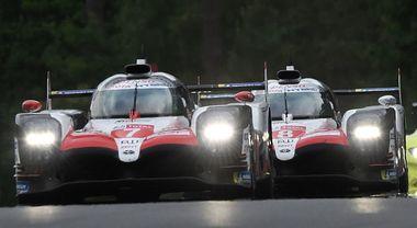 Toyota dominatrici, al comando con 10 giri di vantaggio. Porsche in testa tra le GT