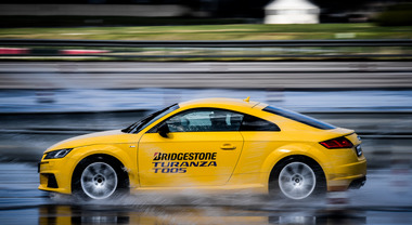 Bridgestone Turanza T005, il pneumatico estivo che non teme la pioggia