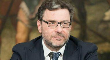 Giorgetti (Mise): «Industria auto UE non lasci elettrico alla Cina. Beffardo che risorse per mobilità vadano all'estero»