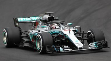 Test Barcellona, pioggia frena l'esordio di Hamilton. 80 giri per Ferrari di Raikkonen. Domani tocca a Vettel