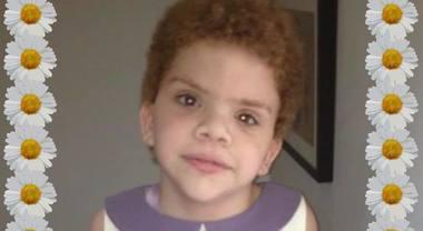 La figlia di 12 anni muore in ospedale, la madre porta il cadavere a casa per una settimana