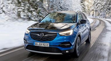Opel Grandland X, arriva la Plug-In Hybrid a trazione integrale