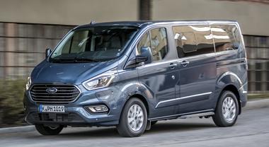 Ford, con il Transit Custom plug-in compie un grande passo avanti nell'elettrificazione della gamma
