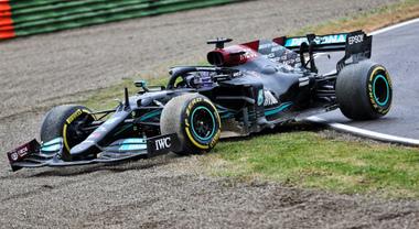 Ecco perché Hamilton non è stato penalizzato per la retromarcia alla curva Tosa