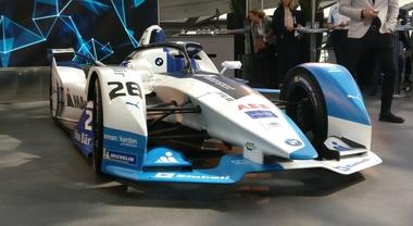 Bmw svela il suo gioiello che correrà in Formula E