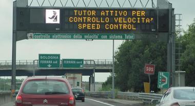 Arrivano i nuovi Tutor sulle autostrade: «Rilevano anche le condizioni delle auto»