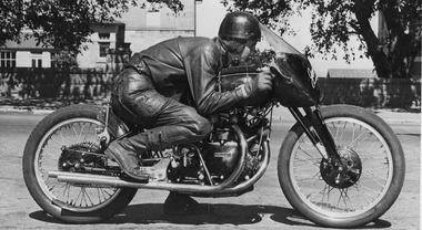 Venduta all'asta per 1 ml dollari, una Vincent Black Lightning del 1951 è la moto più cara al mondo