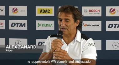 Il presidente di Bmw Italia Sergio Solero e Alex Zanardi celebrano la partecipazione al DTM di Misano