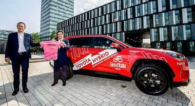 Toyota sempre in sella al Giro d'Italia. Sarà auto ufficiale della corsa rosa fino al 2022