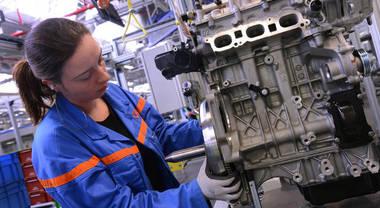 """Psa annuncia chiusura fabbriche in Europa """"a causa dell'accelerazione dei casi di Covid-19 vicino a siti di produzione"""""""