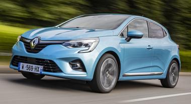 Clio E-Tech, la rivoluzione ibrida di Renault. Mix perfetto tra rendimento energetico e piacere di guida