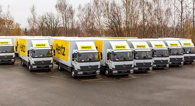 Hertz punta su Mercedes per noleggi mezzi pesanti. In Germania flotta della Stella sale a 1.200 unità