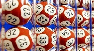 Estrazioni Lotto e Superenalotto 13 novembre: tutti i numeri vincenti. Nessun 6 né 5+, jackpot a 64 milioni