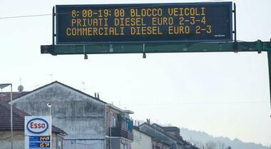Legambiente: 85% città italiane inquinate, 5 con i valori peggiori. Maglia nera a Roma, Milano e Torino