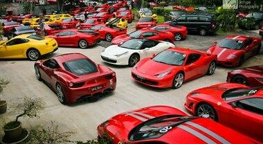 """A Fiumicino il più grande raduno Ferrari da tutta Italia. 43 """"rosse"""" sabato e domenica al Da Vinci Village"""