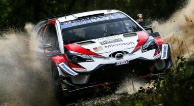 Rally del Galles, Tanak (Toyota) costretto a fermarsi, la Ford di Ogier in testa