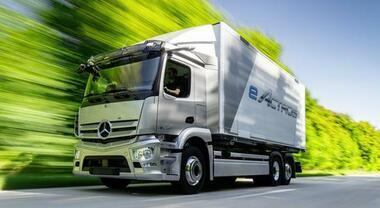 Mercedes, nel 2021 parte produzione eActros a Wörth. Il prototipo raggiunge i 200 km di autonomia in elettrico