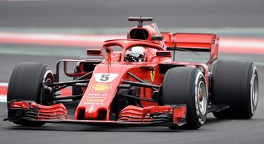 Test Montmelò, la Mercedes di Bottas leader a metà giornata. Esordio per la Ferrari di Vettel