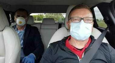 Regole in auto: senza conviventi solo il guidatore davanti. Massimo due passeggeri dietro e mascherina per tutti