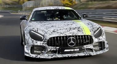 Mercedes, passerella al Salone di Los Angeles per la rinnovata GT e l'estrema AMG GT R Pro