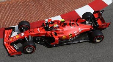 Hamilton in pole, Mercedes davanti ma a Montecarlo pasticcio Ferrari. Vettel 4°, Leclerc fuori in Q1