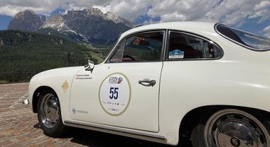 """Al via la Coppa d'Oro delle Dolomiti, si parte da Cortina. La """"1000 Miglia delle Alpi"""" inaugura la stagione delle gare di auto storiche"""