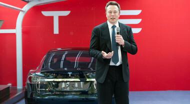 Tonfo Tesla, in 4 settimane bruciati 234 miliardi. Su titolo pesano vendite tecnologici e concorrenza