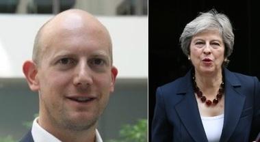 Amazon assume il capo informatico del governo inglese: il caso che imbarazza la May