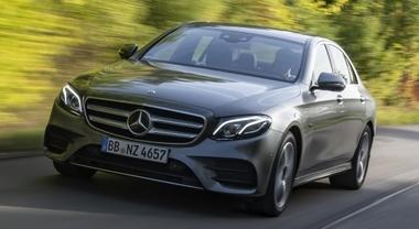 Mercedes elettrifica il diesel, ecco Classe E 300 de. È il primo modello plug-in a gasolio della storia
