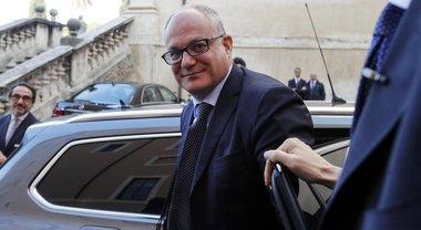 Gualtieri: «Al lavoro per migliorare auto aziendali. Vogliamo evitare aumento della pressione fiscale»