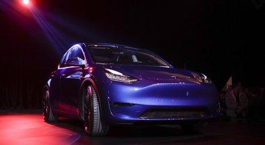 Tesla svela il nuovo Suv elettrico in California: model Y costerà 39.000 dollari