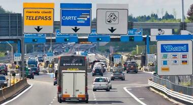 Eco-tasse autostradali in arrivo, Ue autorizza Stati membri al varo. Pedaggi in crescita per mezzi inquinanti, in discesa per Ev