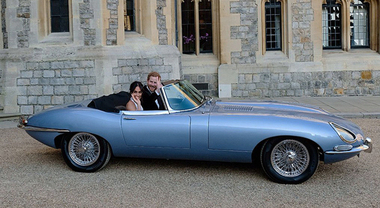 Harry e Meghan, la Jaguar E-Type Zero è un' elettrica con motore da 220 kW e 270 km di autonomia