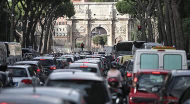 Blocco del traffico: a Roma ancora stop ai veicoli più inquinanti martedì 7 gennaio